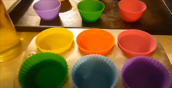 cups for baking cakes